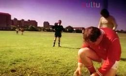 【youtube奇趣足球精选】足球场上亮红牌的原因!贱到没朋友